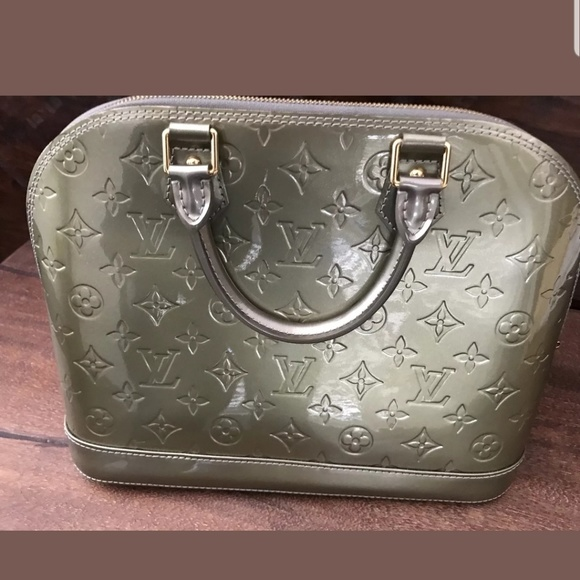 Louis Vuitton Handbags - 💐💐💐Sale buy now for $1000 Louis Vuitton alma gm